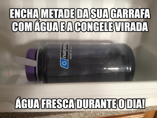 garrafa agua congelada