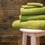 como dobrar toalhas de banho