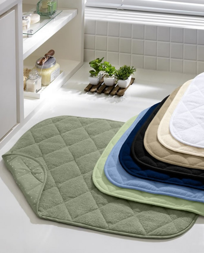 Como escolher o tapete para banheiro